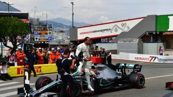 Hamilton conquista a 'pole' no GP de Mônaco seguido por Bottas