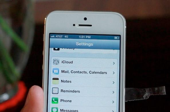 Verizon iPhone 5 is unlocked, able to accept GSM SIMs right away