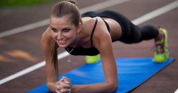 Coaching - Comment renforcer son dos : quatre exercices pour muscler son dos sans matériel