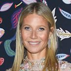 Gwyneth Paltrow and Her Daughter Apple Look Like Twins in Their Family Thanksgiving Photo