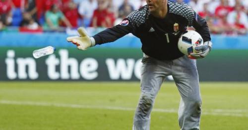 Foot - HON - Hongrie : Gabor Kiraly, le célèbre gardien au pantalon de survêtement, prolonge en club jusqu'en 2019 !