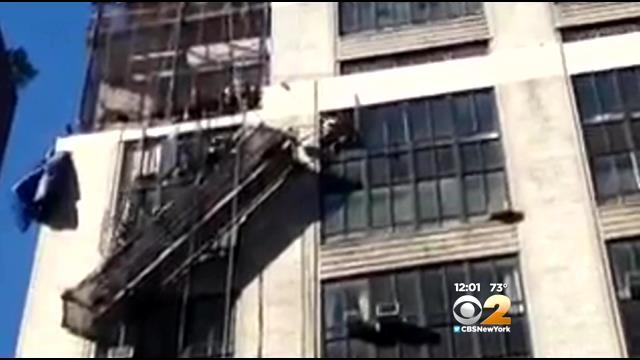 2 Workers Rescued From Dangling Scaffolding In Midtown