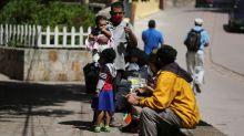Llega a Honduras un barco que trae dos hospitales móviles más para la pandemia