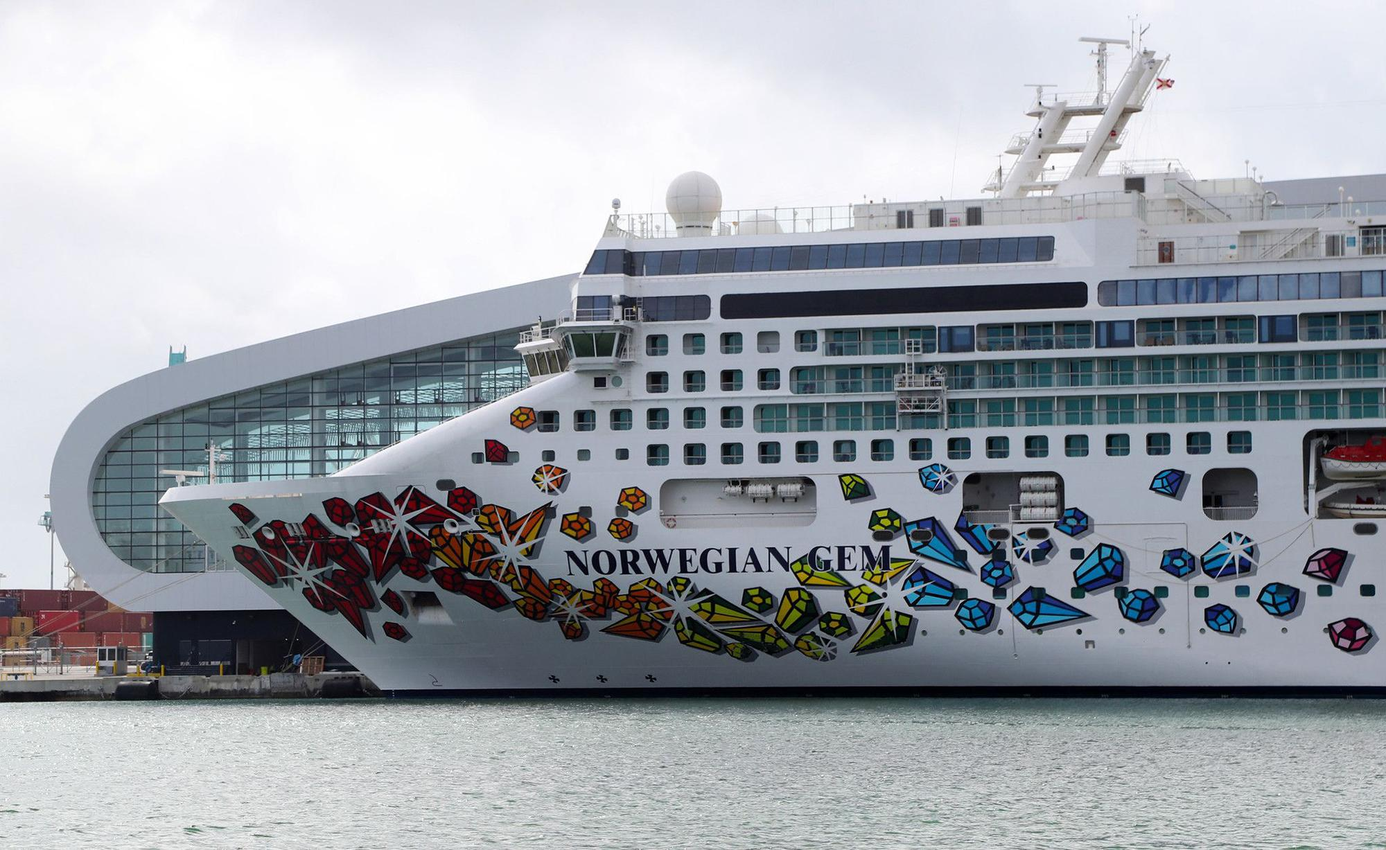 Editorial: To help cruise lines, repeal law banning vaccination passports