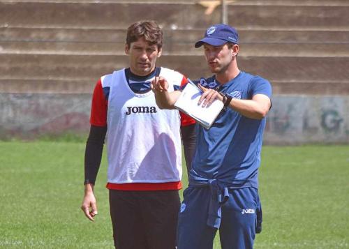 Beñat define el once de Bolívar que jugará contra Real