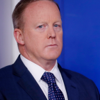 Sean Spicer Reportedly Stole A Mini-Fridge & The Internet Is Recreating The Crime