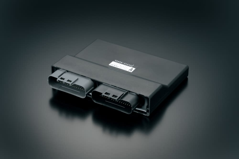 GSX-S1000 搭載32位元的ECM 。