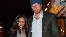 Príncipe Harry de manitas con su novia