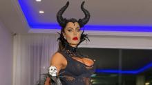 Gracyanne Barbosa vira 'Malévola fitness' para festa de Halloween
