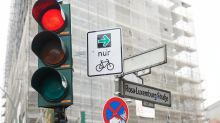 Verkehr in Berlin: Berliner Radfahrer warten auf weitere Grünpfeil-Schilder