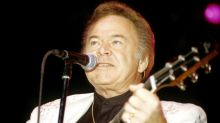 Roy Clark, Legendary Country Guitarist and 'Hee Haw' Star, Dies at 85