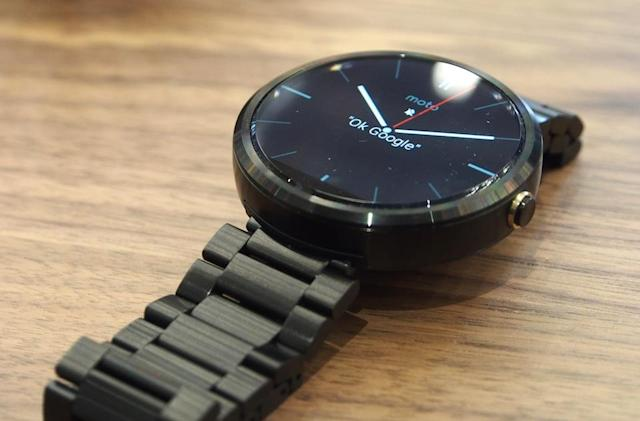 Moto 360 smartwatch on sale now for $250, metal bands coming this fall