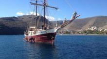 British tall ship sinks in Tenerife
