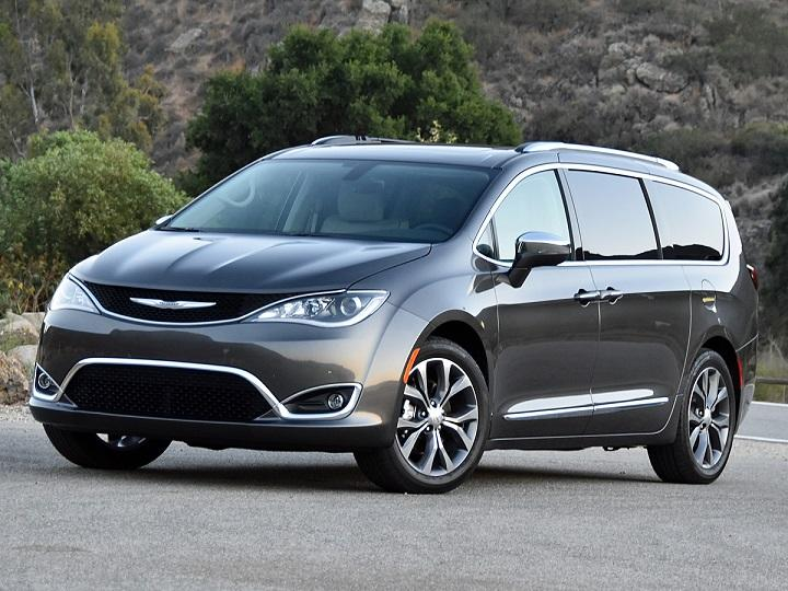 powersteering 2017 chrysler pacifica review. Black Bedroom Furniture Sets. Home Design Ideas