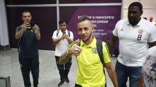 Sob comando de Domènec Torrent, Rafinha volta aos treinos coletivos no Flamengo