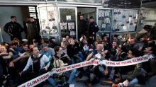 Climate protesters are blocking Ministry of Ecology and headquarters of multinationals at La Défense