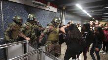 Santiago de Chile en llamas, el precio del boleto del metro prendió la mecha