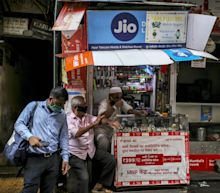 Google and Jio Unveil Budget Phone for Booming India Market