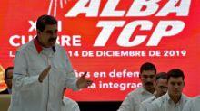 Gobierno de Maduro acusa a dos diputados opositores de plan golpista