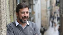 Portavoz de Podemos en Galicia, padre de una niña que aún no puede conocer