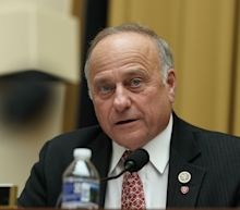 Rep. Steve King makes Apple iPhone complaint to Google CEO, demands list of employees