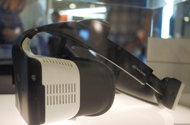 Intel shows off Project Alloy, an all-in-one VR headset