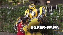Chine: Il surprend son fils à l'école déguisé en Transformers