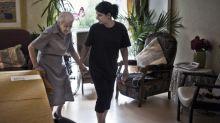 Aides à domicile et auxiliaires de vie: les premiers niveaux de salaire sous le Smic