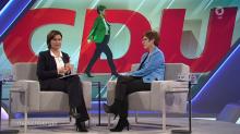 """Maischberger im Zwiegespräch mit Annegret Kramp-Karrenbauer: """"Wollen Sie Kanzlerin werden?"""""""