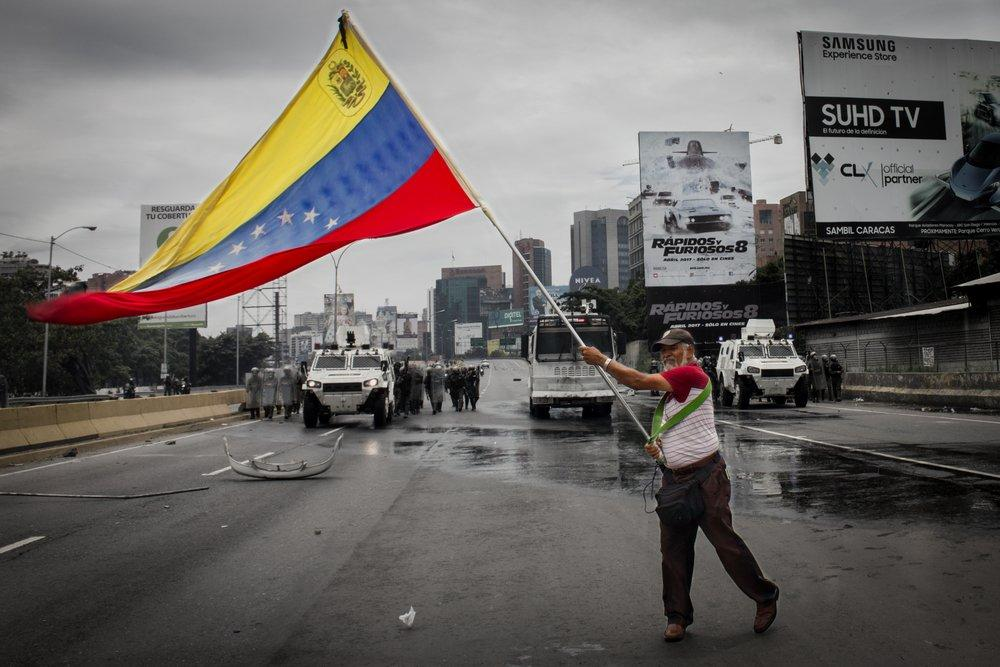 A Cryptocurrency Could Help Avoid Financial Chaos and Venezuela's Ruin