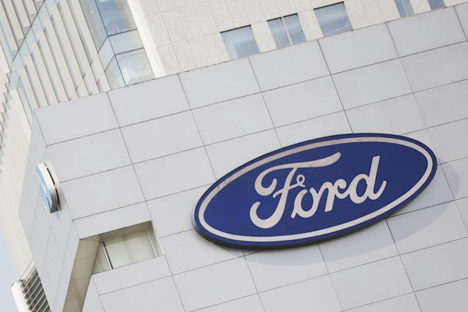 A Ford logo is pictured at a store of the automaker, in Mexico City, Mexico, April 5, 2016.  Ford Motor Co reported a 113 percent surge in quarterly net income and records for global and North American operating margins, thanks to robust pricing of its F-150 pickup trucks in North America and improved profit in Europe. REUTERS/Edgard Garrido/File Photo