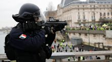 Jacques Toubon, le Défenseur des droits, réitère son appel contre les LBD