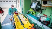 Affitta un'ambulanza per spostarsi da Bergamo a Siena: era positiva al Covid-19