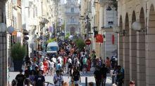 """""""Le respect du mètre de distance est en chute libre"""" : à Marseille, la perspective d'un reconfinement inquiète"""
