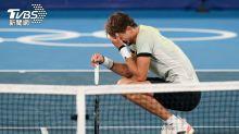 粉碎球王喬科維奇網球金滿貫 對手竟哽咽道歉