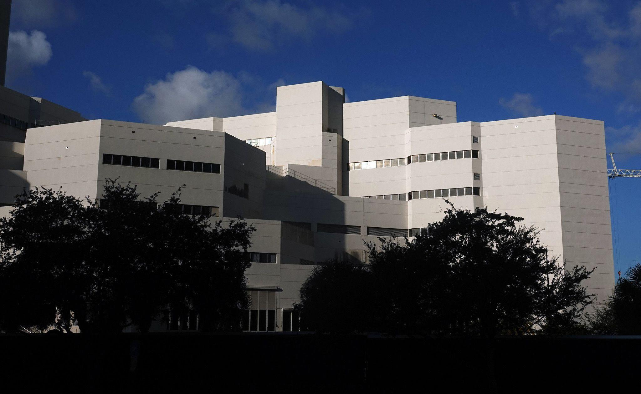 Sheriff fires 2 jail administrators after Florida inmate gave birth in cell