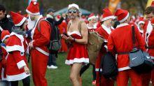 Run Santa Run: Thousands Dressed as Santa Claus Run for Charity