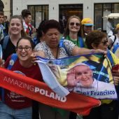 Pope Francis faces tepid welcome in migrant-wary Poland