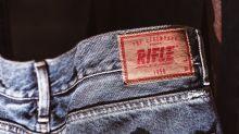 """Fallisce lo storico marchio italiano di jeans Rifle: """"Con il Covid colpo di grazia"""""""