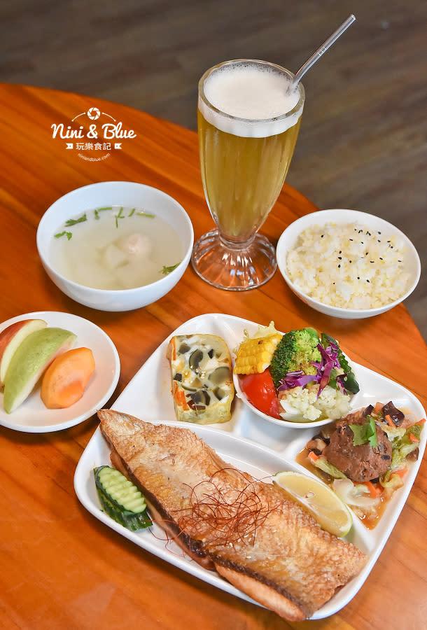 東麗風店 茶花 咖啡 台中咖啡館16