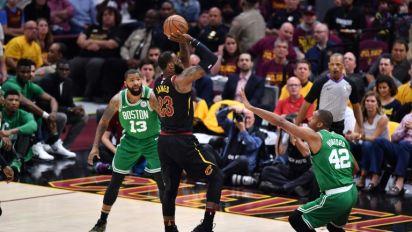 LeBron scores 44, leads Cavs over Celtics to level series