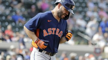 Get used to it: Altuve booed in spring debut