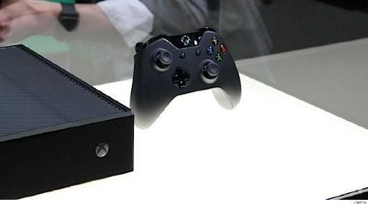 Xbox One controllers, headsets available for pre-order