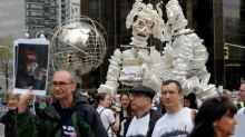 Thousands turn out for March for Science in U.S. cities
