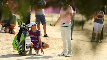 """Thomas Pieters engraves """"FOR SALE"""" on his golf bag hoping to snag sponsorship"""