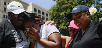 2 mass shootings within 24 hours leave U.S. in shock