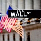 Advances in Technology Stocks Boost Major U.S. Indexes