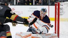 Goaltenders in spotlight for Blackhawks-Oilers series