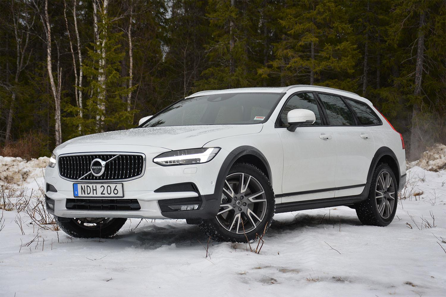 volvo  cross country  drive