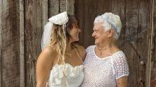 Aos 92 anos, vovó é só alegria ao ser dama de honra no casamento da neta